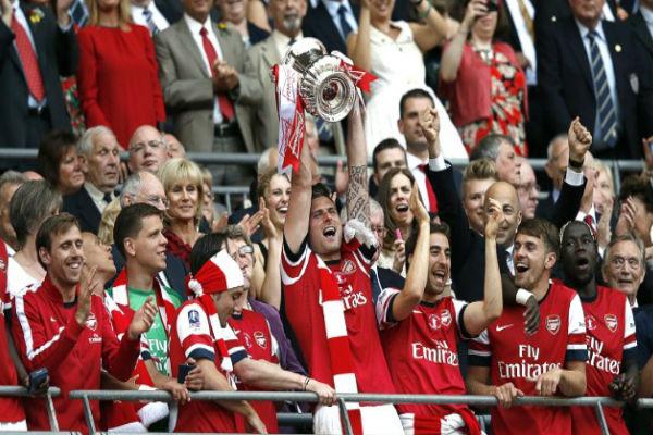 أرسنال يحمل لقب كأس انكلترا