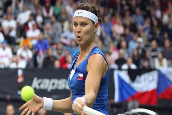 التشيكية لوسي سافاروفا