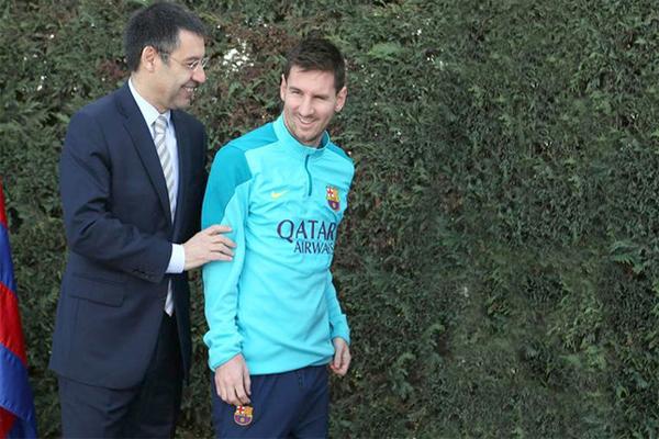 رئيس برشلونة يدعم ميسي
