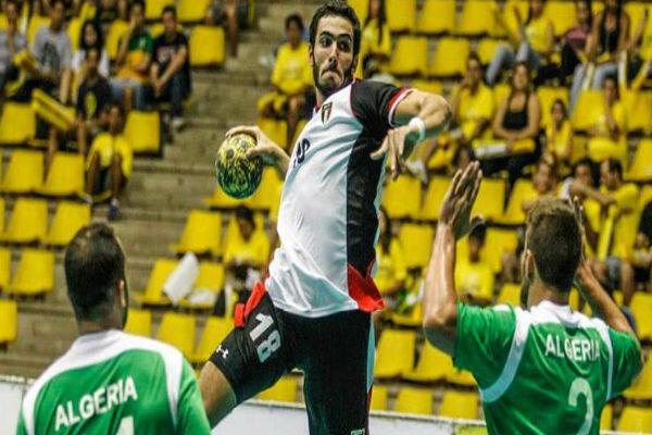 من مباراة بين الجزائر ومصر