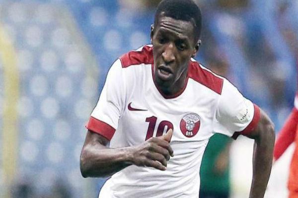 لاعب المنتخب القطري لكرة القدم مشعل عبد الله
