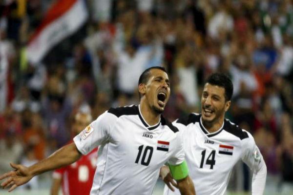 فرحة عارمة لقائد المنتخب العراقي يونس محمود بهدفه في فلسطين