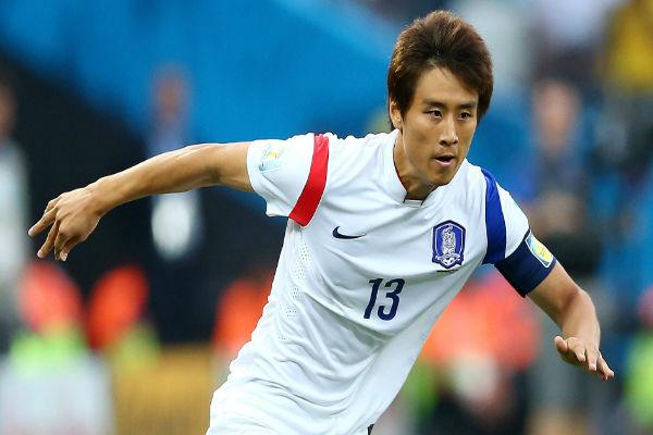 لاعب الوسط الكوري الجنوبي كو جا-شيول