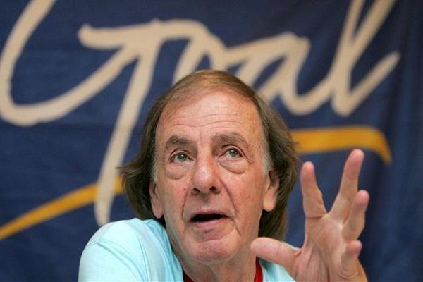 المدرب المخضرم السابق الأرجنتيني لويس سيزار مينوتي