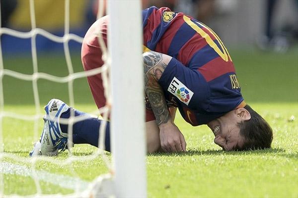 ميسي سيغيب عن برشلونة 7 أسابيع على الأقل