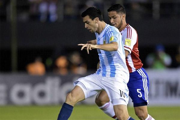 من مباراة الأرجنتين والبارغواي