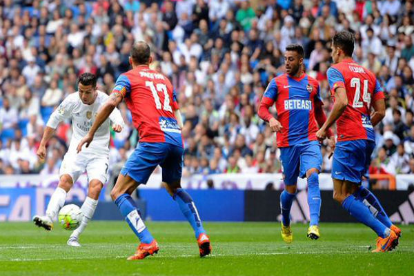 كريستيانو رونالدو سجل في فوز ريال مدريد بثلاثية على ليفانتي