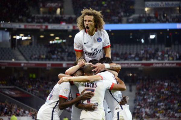 باريس سان جيرمان يستعيد مدافعه البرازيلي ديفيد لويز بعد تعافيه من الإصابة