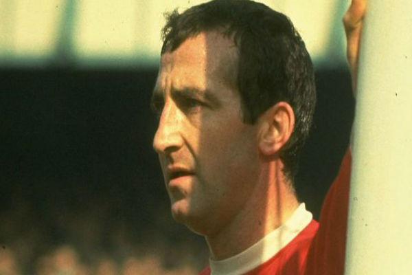 لاعب ليفربول الأسبق جيري بايرن