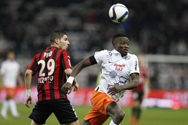 نيس ينفرد بالمركز الخامس مؤقتاً في الدوري الفرنسي