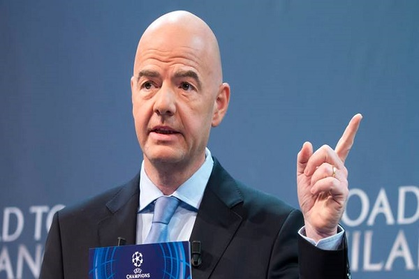 المرشح لرئاسة الاتحاد الدولي لكرة القدم السويسري جياني انفانتينو