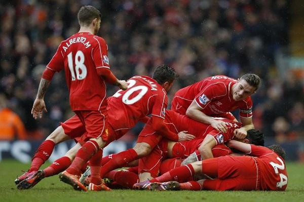 ليفربول يعوض خروجه الاوروبي بفوز مثير على سيتي 2-1