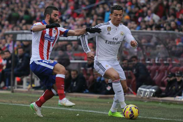 مباراة سابقة بين قطبي مدينة مدريد