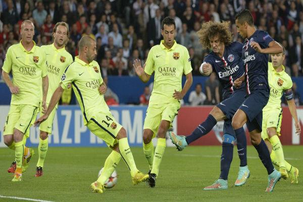من مباراة دور المجموعات بين الفريقين في ملعب بارك دي برينس
