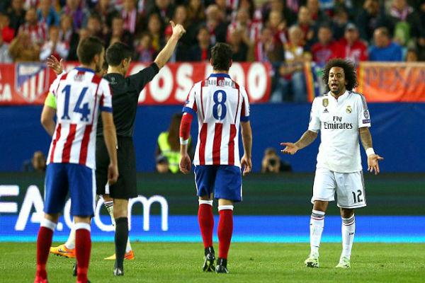 مارسيلو يتلقى بطاقة صفراء ستحرمه من خوض مباراة الإياب