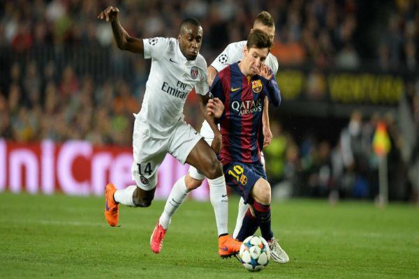 البرغوث ميسي في مباراة برشلونة وسان جيرمان بدوري الأبطال
