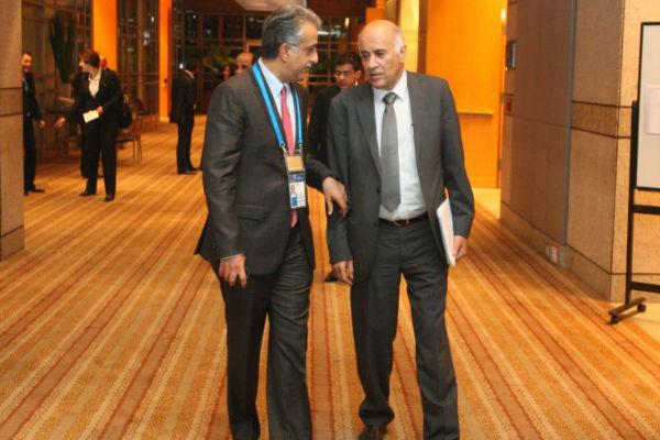 الشيخ سلمان بن إبراهيم مع رئيس الاتحاد الفلسطيني جبريل الرجوب