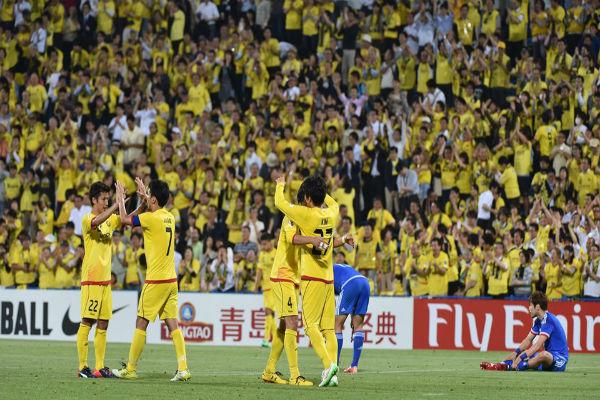 فرحة لاعبي كاشيوا رايسول بالتأهل لدور الثمانية