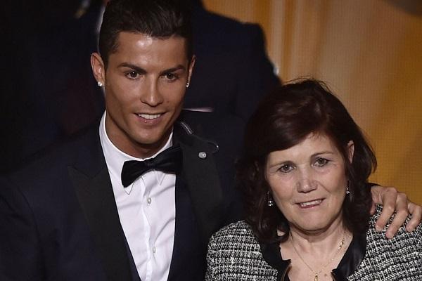 دولوريس أفيرو والدة النجم البرتغالي كريستيانو رونالدو مهاجم ريال مدريد الإسباني