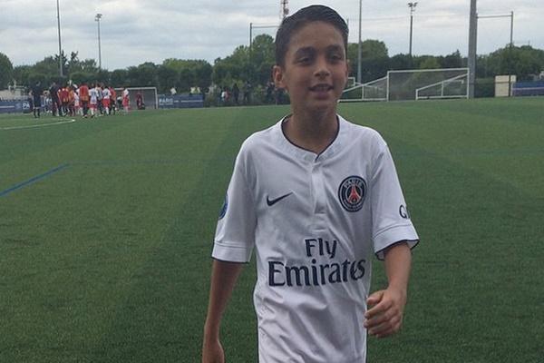 باريس سان جيرمان يسرق ميسي الصغير من برشلونة