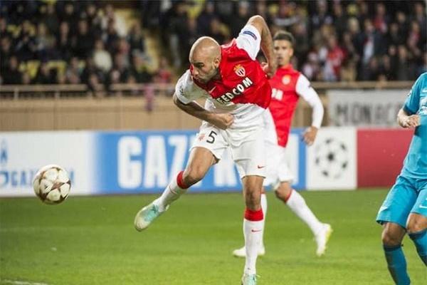 النجم الدولي التونسي أيمن عبد النور مدافع فريق موناكو الفرنسي