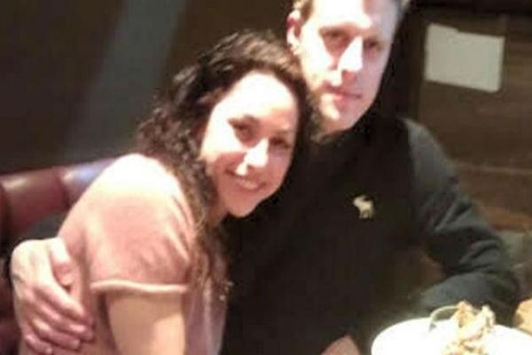 طبيبة تشلسي إيفا كارنيرو مع صديقها السابق روبيرتو باتيرسون