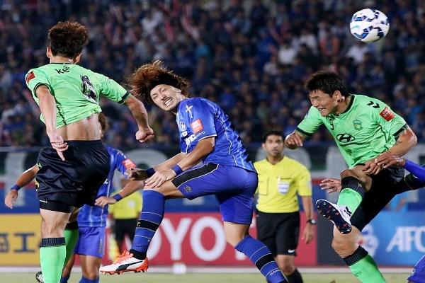 غامبا أوساكا إلى نصف نهائي دوري أبطال آسيا