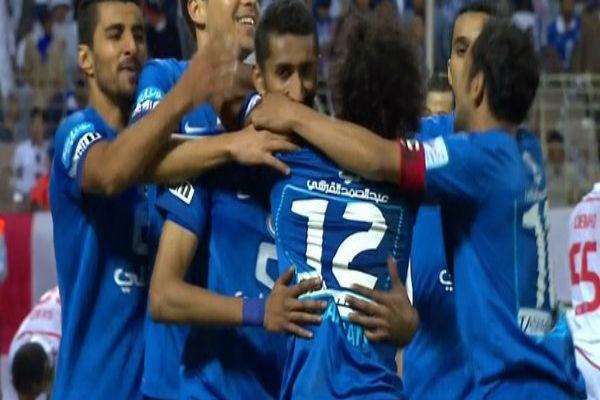 فرحة لاعبي الهلال بأحد أهداف الفوز على الوحدة