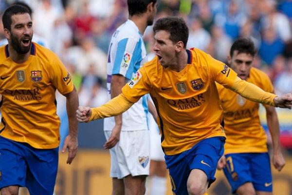 ميسي يقود برشلونة لفوز ثمين على ملقة وصدارة الليغا مؤقتاً