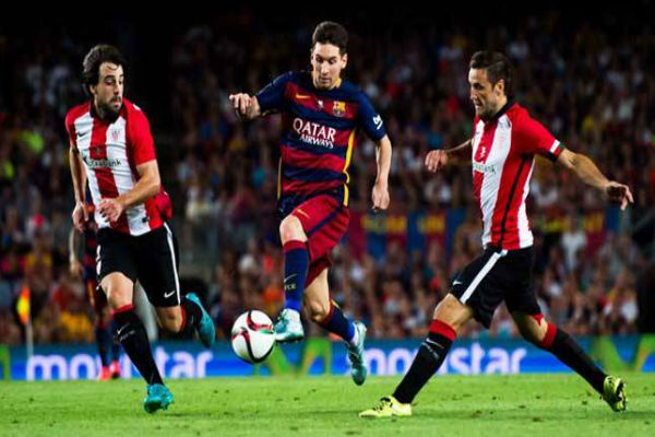 ميسي في مباراة برشلونة وبلباو بالليغا التي أصيب بها
