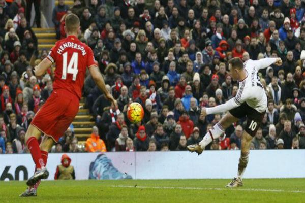 روني يقود مانشستر يونايتد لفوز ثمين على ليفربول