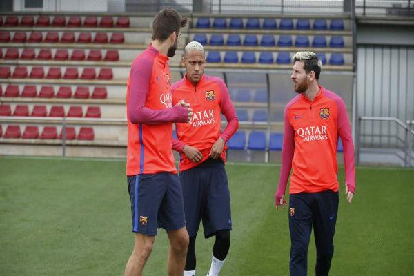 ميسي يعود إلى تمارين برشلونة إثر تعافيه من إصابة عضلية
