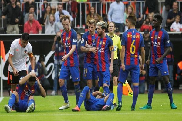 نادي برشلونة يشجب بشدة ما جاء في بيان لجنة العقوبات الإسبانية،
