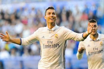 كريستيانو رونالدو مستمر في ريال مدريد حتى 2021