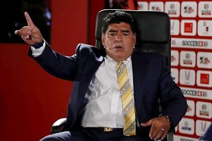 مارادونا لميسي ورفاقه: اضبطوا زوجاتكم قبل مقاطعة وسائل الإعلام