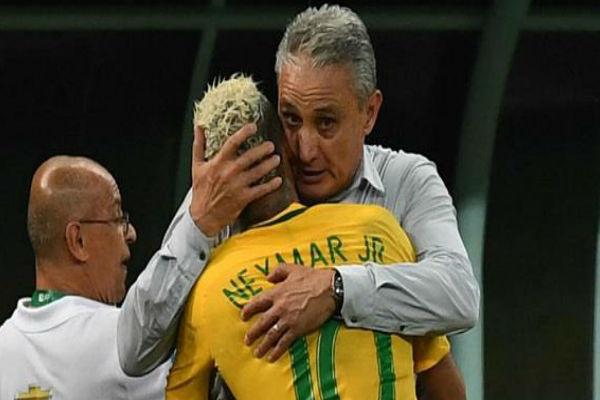 مدرب البرازيل تيتي ونجمه نيمار