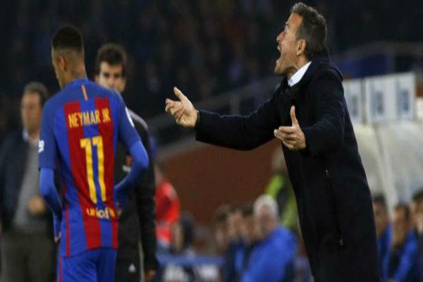 جماهير برشلونة تطالب بإقالة إنريكي قبل فوات الآوان