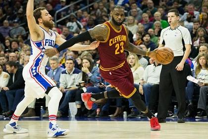 كليفلاند يعاني للفوز على فيلادلفيا في #NBA