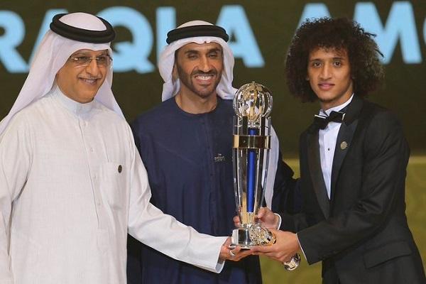 ابقى الاماراتي عمر عبد الرحمن جائزة افضل لاعب في آسيا في الامارات للعام الثاني تواليا