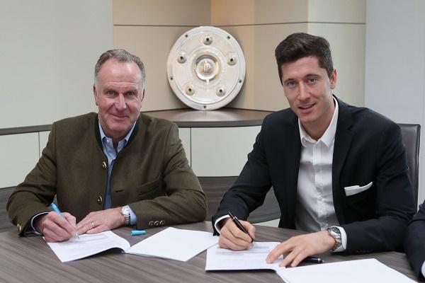 بايرن ميونيخ يمدد عقد ليفاندوفسكي حتى 2021