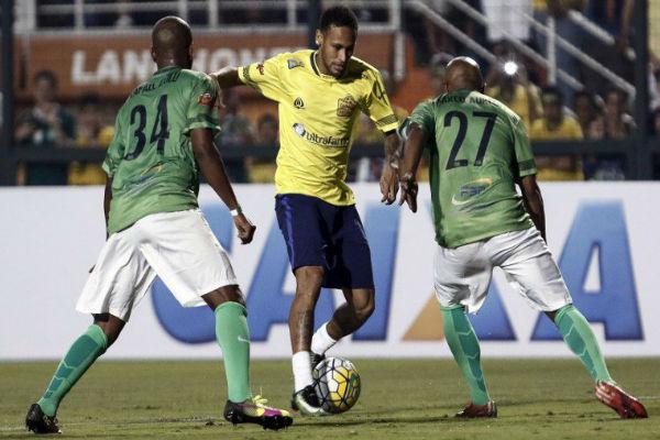 نيمار يخوض مباريات خيرية في البرازيل لصالح ضحايا شابيكوينسي