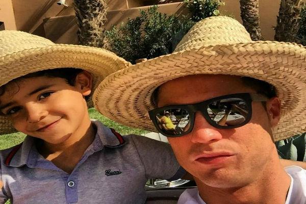 كريستيانو ووالدته ونجله في المغرب مجدداً