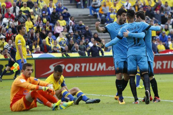 برشلونة ينجو من كمين لاس بالماس ويحقق فوزاً صعباً وثميناً