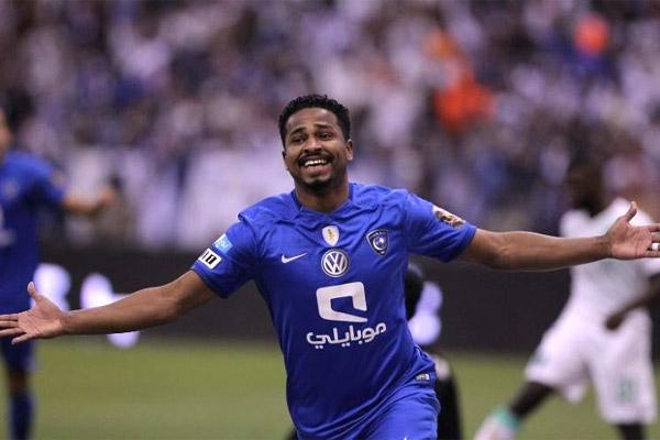 ناصر الشمراني سجل هدف الهلال الأول
