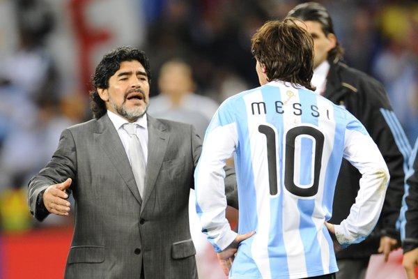 مارادونا برفقة ميسي مع المنتخب الأرجنتيني