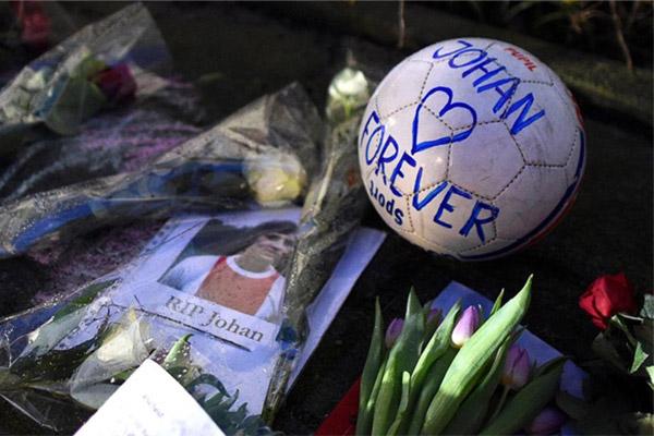 خسرت كرة القدم أحد أبرز معالمها على مر التاريخ بعد وفاة الهولندي