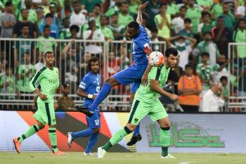 الأهلي يهزم الهلال ويتوج بطلاً للدوري السعودي