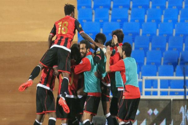 فرحة لاعبو الرائد بالبقاء في الدوري السعودي الممتاز