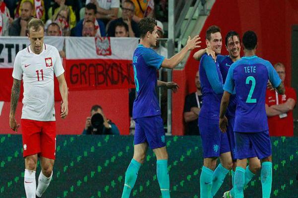 فوز هولندا على بولندا ودياً