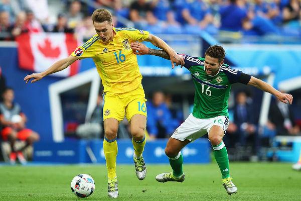 من مباراة أوكرانيا وإيرلندا الشمالية